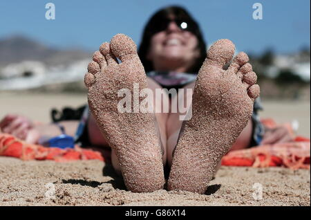 Woman S Foot Relax On The Beach Beach Holiday Feet Of A Woman Stock Photo 97059559 Alamy