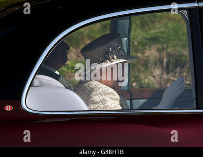 Queen attends church service - Crathie Kirk - Stock Photo