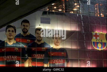 Barcelona v Arsenal - UEFA Champions League - Round of Sixteen - Second Leg - Camp Nou - Stock Photo