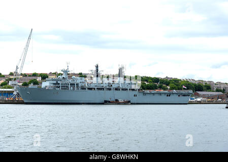 HMS Bulwark an Albion-class amphibious assault ship at HMNB Devonport, Plymouth - Stock Photo