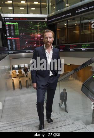 Damian Lewis opens the London Stock Exchange - Stock Photo