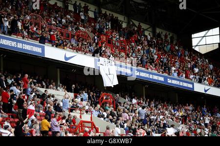 Charlton Athletic v Burnley - Sky Bet Championship - The Valley - Stock Photo