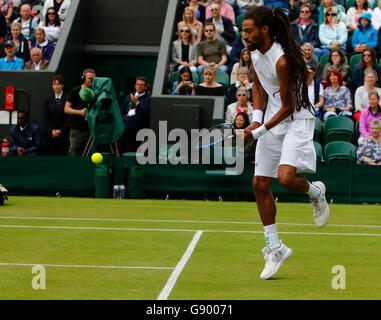 London, UK. 1st July, 2016.   All England Lawn Tennis and Croquet Club, London, England. The Wimbledon Tennis Championships - Stock Photo