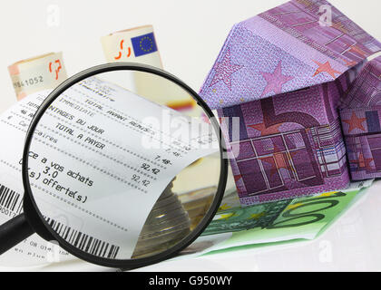 Focus on household food expenditure - Stock Photo
