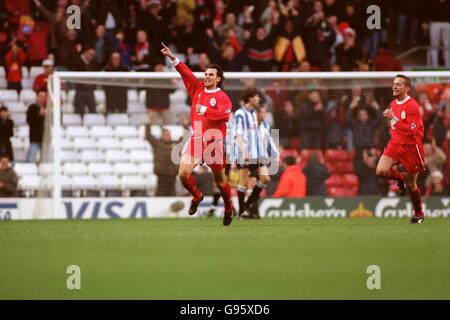 Soccer - FA Carling Premiership - Liverpool v Sheffield Wednesday