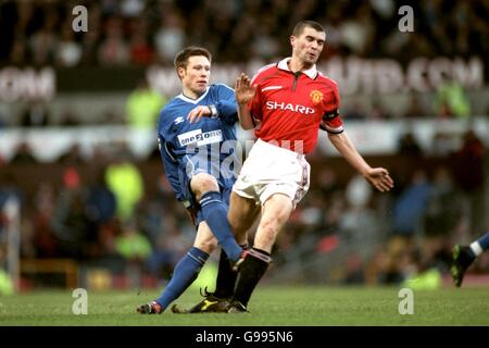 Soccer - FA Carling Premiership - Manchester United v Everton - Stock Photo