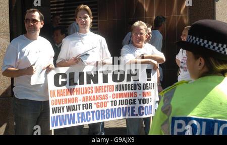 SCOTLAND Clinton Protest - Stock Photo