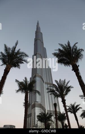 Burj Khalifa, Chalifa, 828m, tallest building in the world, Dubai, United Arab Emirates, Middle East - Stock Photo