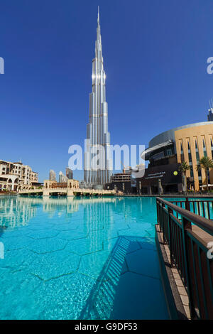 Burj Khalifa, Dubai-UAE-1 - Stock Photo