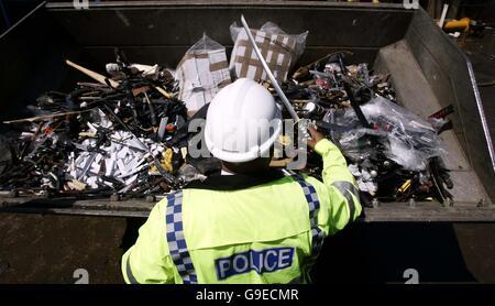 2006 - knife amnesty - Stock Photo