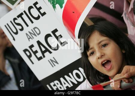 Lebanon protest outside Downing Street - Stock Photo