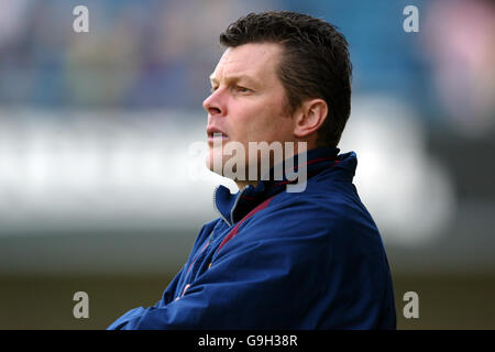 Soccer - Coca-Cola Football League Championship - Millwall v Burnley - The New Den - Stock Photo