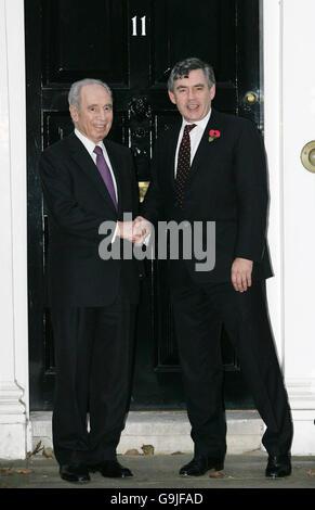 Gordon Brown meets Shimon Peres - Stock Photo