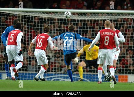 Soccer - UEFA Champions League - Group G - Arsenal v Hamburg - Emirates Stadium - Stock Photo
