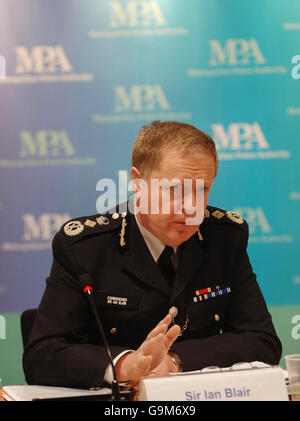 Sir Ian Blair addresses Metropolitan Police Authority meeting - Stock Photo