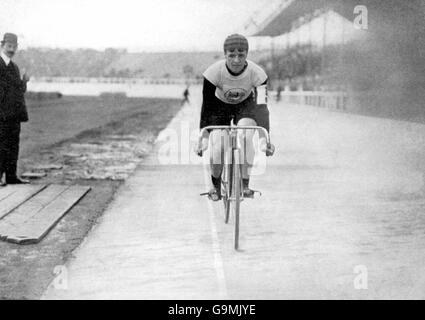 Cycling - London Olympic Games 1908 - 5000m - Final - White City - Stock Photo