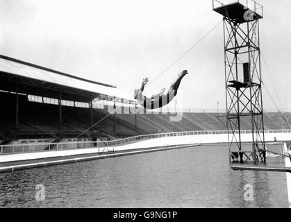 Diving - London Olympic Games 1908 - Springboard - White City - Stock Photo