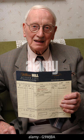 Man lives to 100 to win bet - Stock Photo
