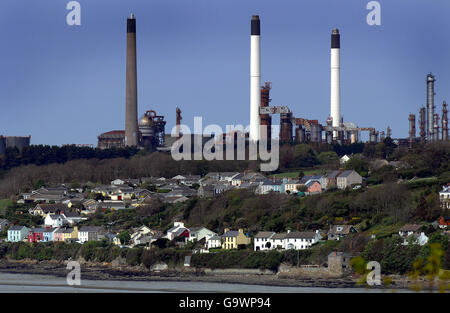 Buildings and Landmarks - LNG installation - Milford Haven