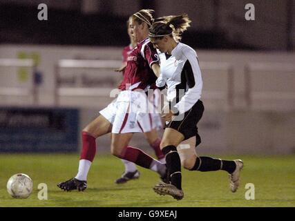 Soccer - FA Nationwide Women's Premier League - Charlton Athletic v Fulham- Stonebridge Road - Stock Photo