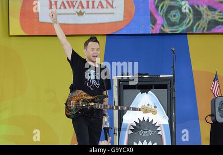 New York, NY, USA. 1st July, 2016. Mark Hoppus, Blink 182 on stage for Good Morning America (GMA) Summer Concert - Stock Photo