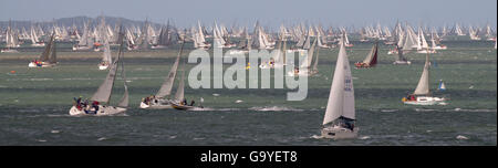 Cowes, UK. 02nd July, 2016. The start of the annual Round The Island race, off Cowes, Isle of Wight. 1500 Yachts - Stock Photo