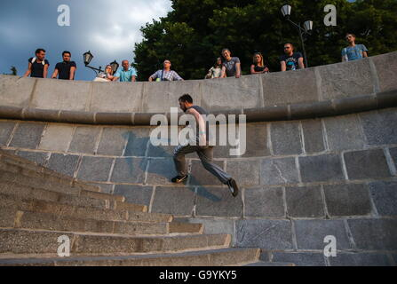 Moscow, Russia. 1st July, 2016. A traceur of the Moscow Academy of Parkour during a training session on Pushkinskaya - Stock Photo