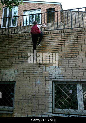 Moscow, Russia. 1st July, 2016. A traceur of the Moscow Academy of Parkour during a training session. Parkour is - Stock Photo