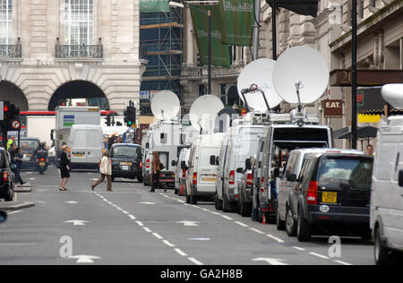 'Explosive device' found in central London - Stock Photo