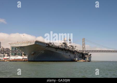 United States Navy's USS Makin Island (LHD-8) Wasp-class amphibious assault ship, San Francisco. - Stock Photo