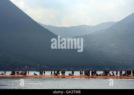 Lake Iseo, Italy. 2nd July, 2016. Italy's Lake Iseo hosted 'The Floating Piers', a unique project by Bulgarian-born - Stock Photo