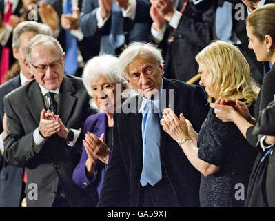 Washington, District of Columbia, USA. 3rd Mar, 2015. Elie Wiesel stands after he was recognized during the address - Stock Photo