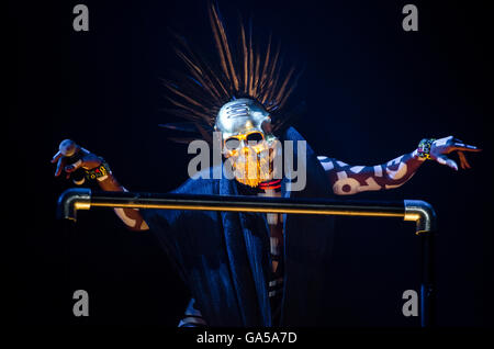 Glynde, East Sussex, 2nd July 2016. Grace Jones performs live on the main open air stage on the first full day of - Stock Photo