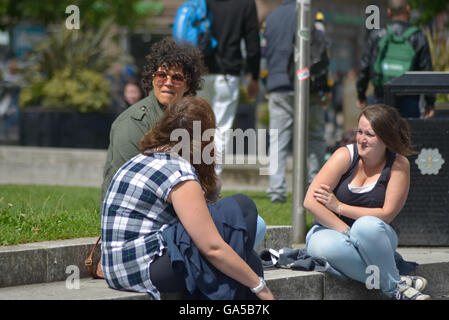 Manchester, UK. 02nd July, 2016. People, believed to be from Manchester, experiencing sunny weather on July 2nd, - Stock Photo