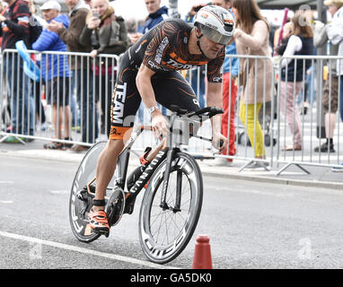 Frankfurt, Germany. 03rd July, 2016. Bas Diederen (The Netherlands) in the cycle leg of the Ironman event in Frankfurt, - Stock Photo