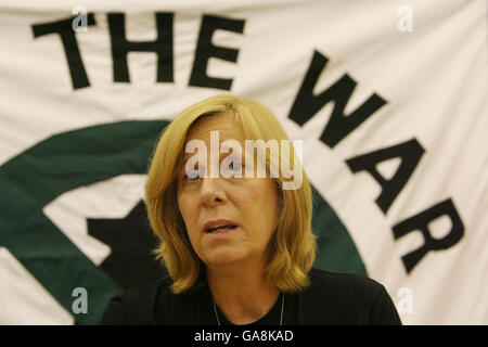 Sheehan launches Iraq solidarity coalition in the UK - Stock Photo