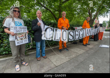 London, UK. 4th August 2016. The London Guantánamo Campaign protest at the US Embassy and Marble Arch calling for - Stock Photo