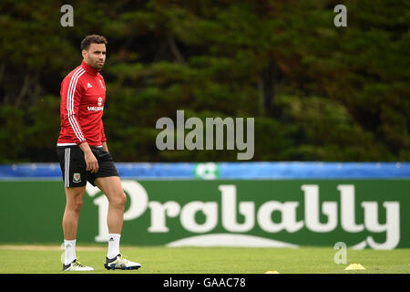 Wales' Hal Robson-Kanu during the training session at the Wales Media Centre, Complex sportif du Cosec, Dinard. - Stock Photo