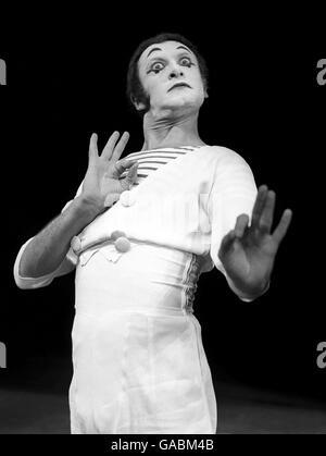 Marcel Marceau dies - Stock Photo