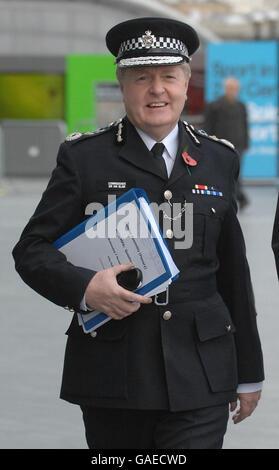 Sir Ian Blair faces London Assembly - Stock Photo