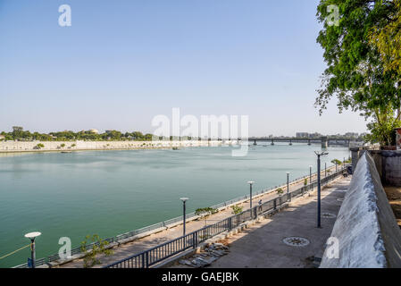 Walkway of Sabarmati river front in Ahmedabad, India - Stock Photo