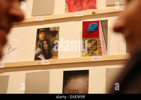 Art lovers get chance to buy Hirst work for - Stock Photo