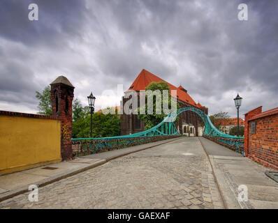 Breslau Sandkirche und Dombrücke - Breslau St. Maria Church and Tumski Bridge river Oder - Stock Photo