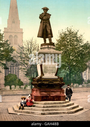 Howard Statue, Bedford, England.  Image shows statue of philanthropist John Howard (1726-1790) who was also a prison - Stock Photo