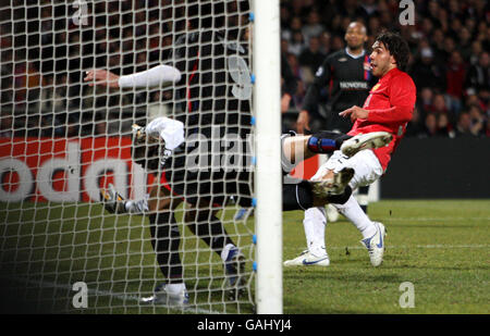 Soccer - UEFA Champions League - First Knockout Round - First Leg - Lyon v Manchester United - Stade Gerland - Stock Photo