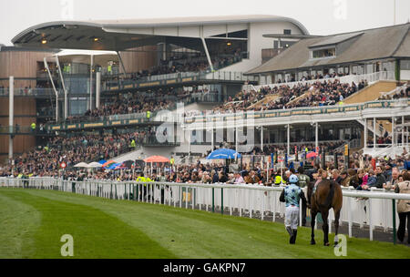 Horse Racing - The 2008 John Smith's Grand National Meeting - Day One - Aintree - Stock Photo