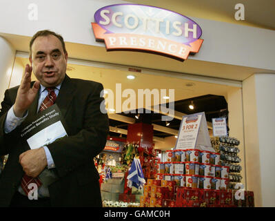 Independent study into the economic benefits from Glasgow Prestwick Airport - Stock Photo