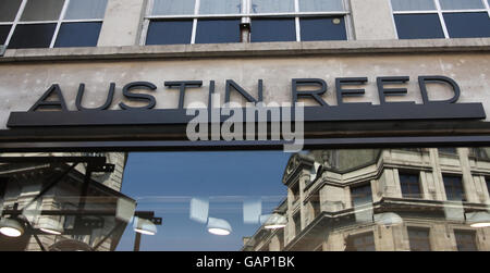 Austin Reed plots new stores - Stock Photo