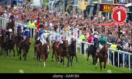 Horse Racing - 2008 Derby Festival - Derby Day - Epsom Downs Racecourse - Stock Photo