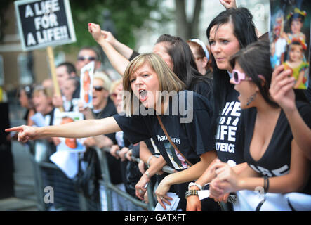 Bereaved families demand tougher sentences - Stock Photo